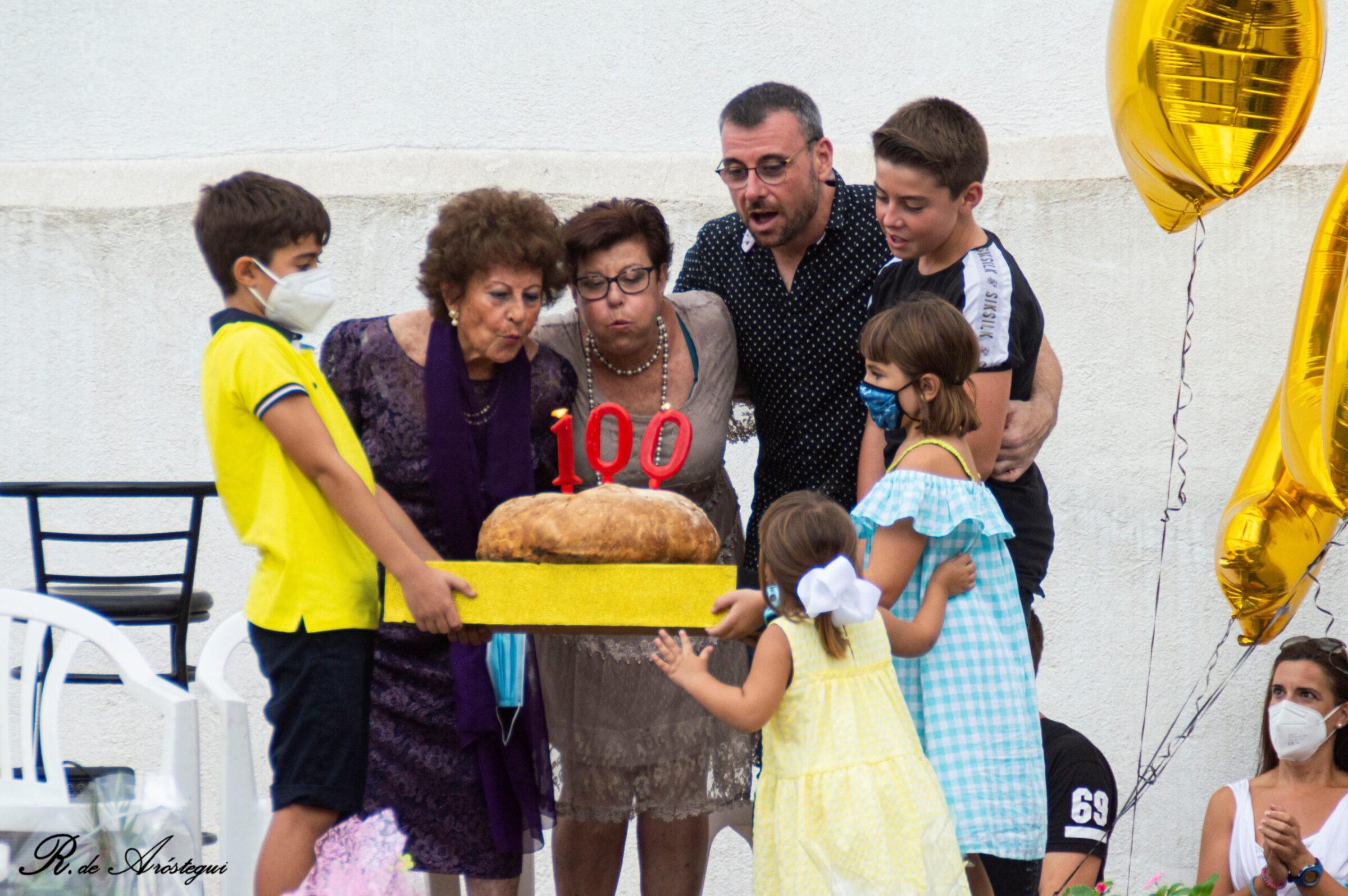 IMATGES l Reconeixement als 100 anys del Forn Virgili